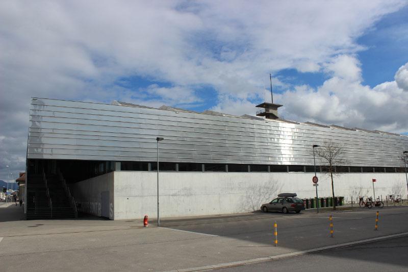 Halle_Esplanade1